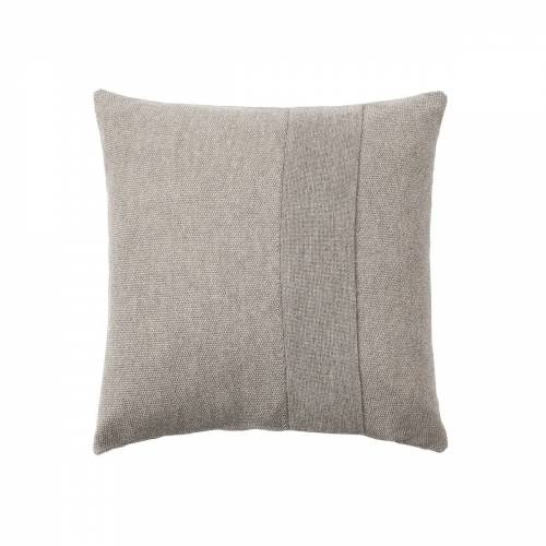 Muuto - Layer Kissen, 50 x 50 cm, sand-grau