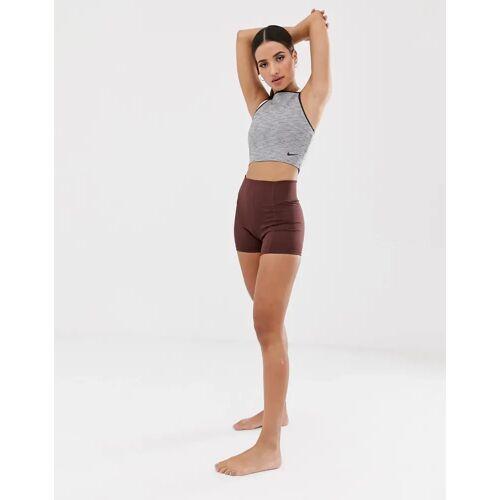 Nike Training Nike – Yoga Dri-FIT Vinyasa – Yoga-Shorts in Burgunderrot-Violett XL
