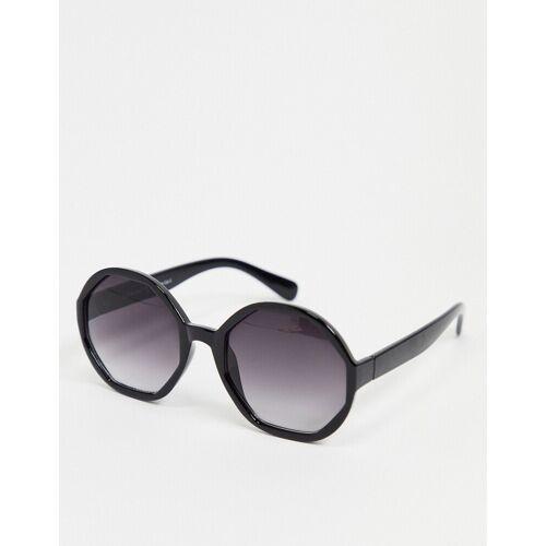 AJ Morgan – Sechseckige Sonnenbrille in Schwarz No Size