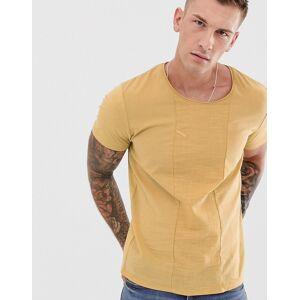 Jack & Jones – Premium – Gelbes T-Shirt mit Krepp-Bahn-Braun XS