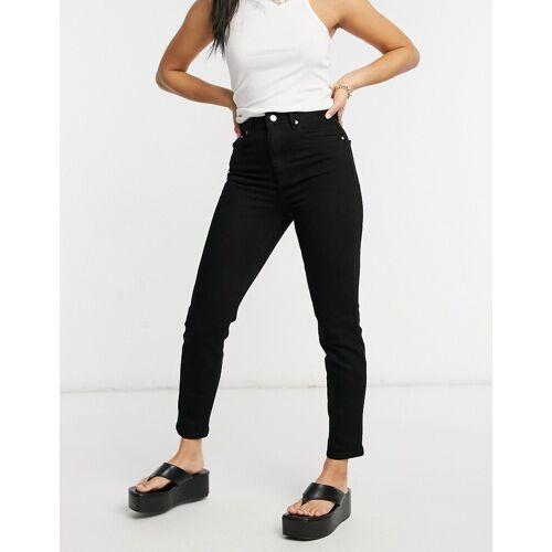 ASOS DESIGN – Farleigh – Schmale Mom-Jeans in reinem Schwarz mit hohem Bund W34 L30