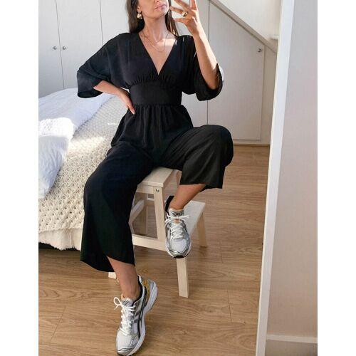 ASOS DESIGN – Jumpsuit mit Kimonoärmeln und Hosenrock in Schwarz 38