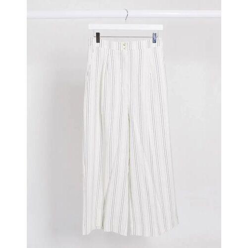 New Look – Leinenhose mit kurzem Schnitt in Weiß gestreift 34