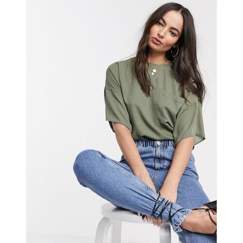 ASOS DESIGN – Gewebtes T-Shirt mit Tasche-Grün 34