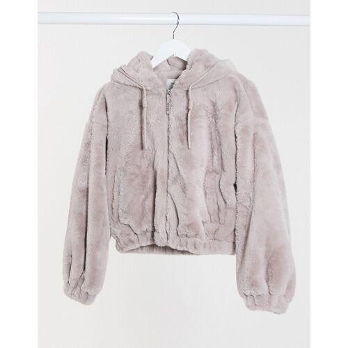Bershka – Kurze Jacke aus Kunstpelz in Lila XS