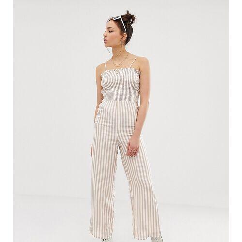 Glamorous Tall – Camisole-Jumpsuit mit Raffung und Streifen-Weiß 38