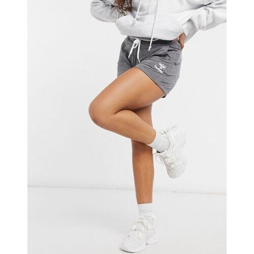 Hummel – Peyton – Shorts in Schwarz S