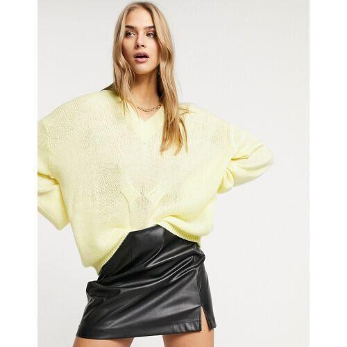 Lost Ink – Locker geschnittener Pullover mit V-Ausschnitt in Zitronengelb L