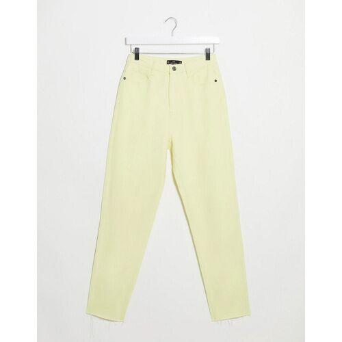 Missguided – Zitronengelbe Mom-Jeans mit Fransensaum 42