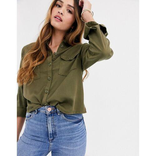 New Look – Hemd in Khaki mit aufgesetzter Tasche-Grün 36