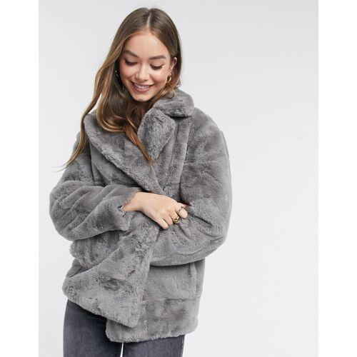 New Look – Mantel aus Kunstpelz in Grau 36