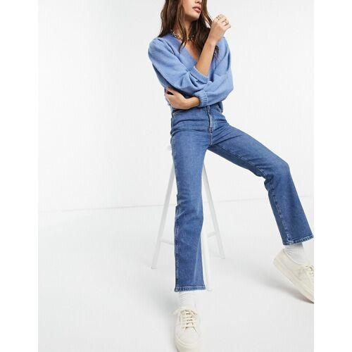 & Other Stories – Crush – Jeans aus Bio-Baumwolle mit Schlag in kräfitgem Blau W24