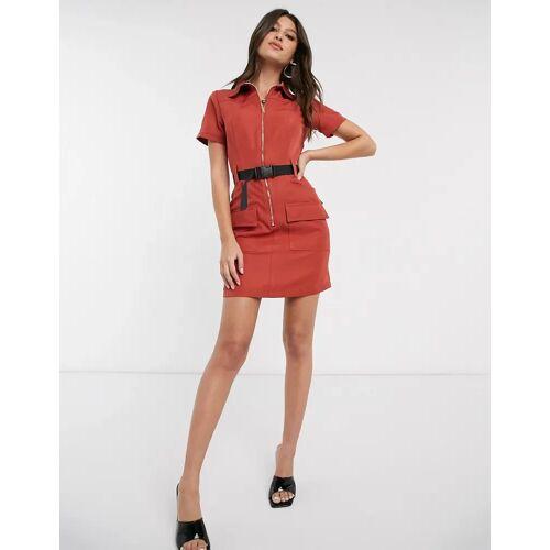 Parisian – Minikleid im Utility-Stil mit Gurtdetail und Schnalle, in Rostrot 36