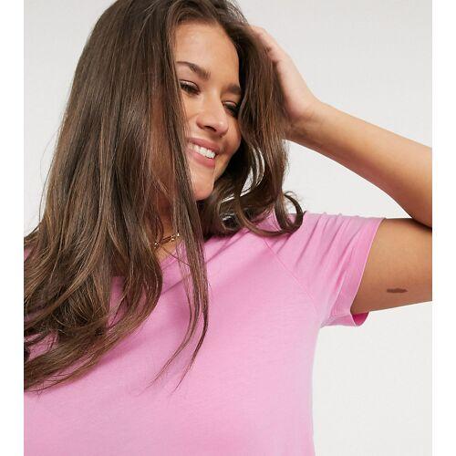 Vero Moda Curve – T-Shirt mit gerollten Ärmeln in Rosa 52-54