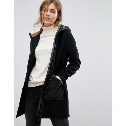 Vero Moda – Mantel mit Kapuze und aufgenähten Taschen-Schwarz L