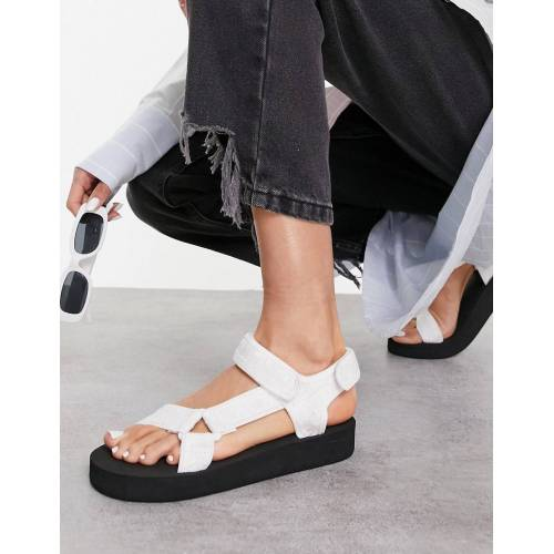 ASOS DESIGN – Fix Up – Sportliche Sandalen in Weiß 41