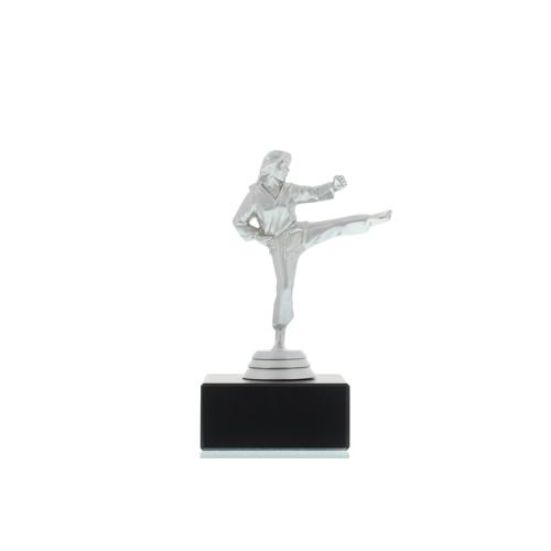 Helm Trophy Figur Karate Damen 14,0cm silberfarben