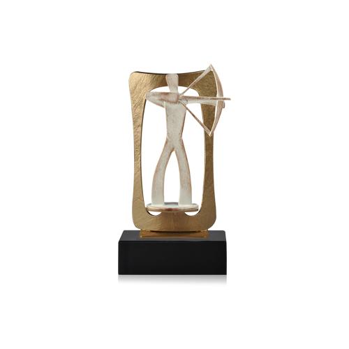Helm Trophy Zamakfigur Frame Bogenschütze 24,0cm