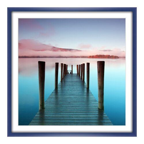 myposter See Bilder Poster im Bilderrahmen Holz in blau im Format 90 x 60 cm