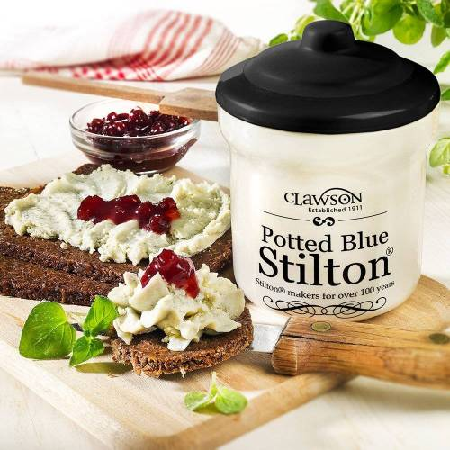 Käse Blue Stilton im Tontopf