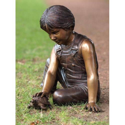 TB Bronzefigur Junge mit Schildkröte