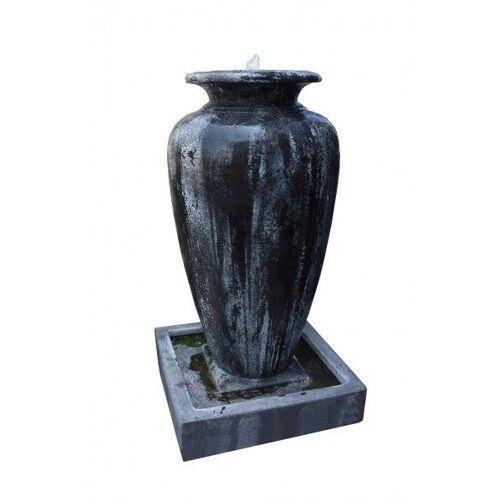 GK Antik-Brunnen Florentina Pumpe von Naturstein Geukes