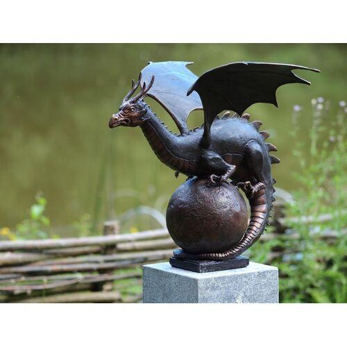 TB Bronzefigur Drache auf Kugel
