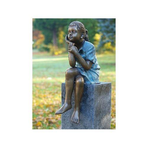 TB Bronzefigur Denkendes Mädchen sitzend