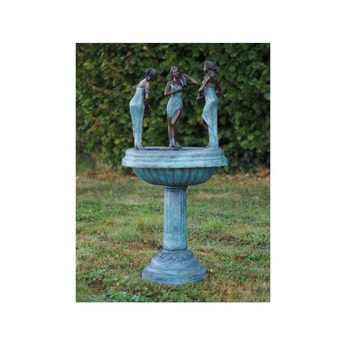 TB Brunnen 3 Frauen mit Krug aus Bronze