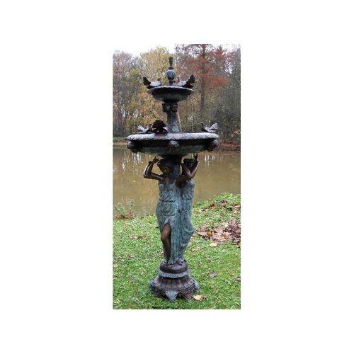 TB Brunnen 3 Frauen mit Vögeln aus Bronze