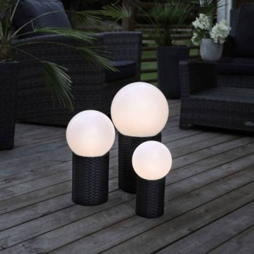 LED Gartenkugel - Solar - Rattanoptik-Sockel - warmweiße LED - H: 28cm, D: 15cm