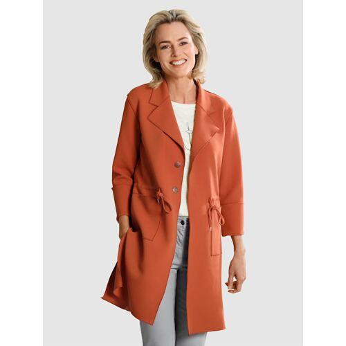 Dress In Mantel Dress In Kupferfarben