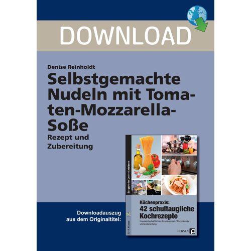 Persen Verlag Selbstgemachte Nudeln mit Tomaten-Mozzarella-Soße