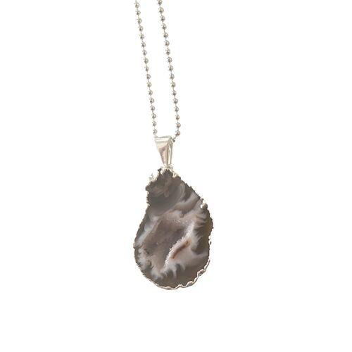 Crystal and Sage Cave - Halskette Mit Einer Vergoldeten Achathöhle silber