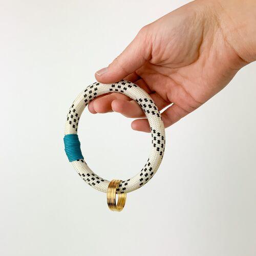 TheVIVgoods Recycled Handlicher Schlüsselanhänger Aus Kletterseilen Mir Drei Schlüsselringen blau