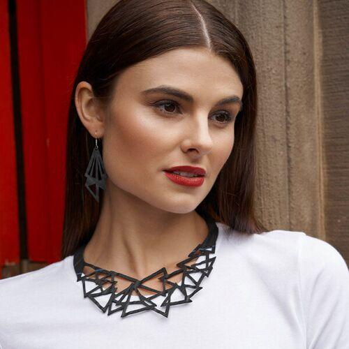 SAPU Cubism Kunstvolle Reifenschlauch Halskette