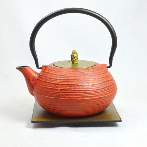 ja-unendlich Teekanne Aus Gußeisen M Yo Und Untersetzer 1,2 l rot/deckel gold