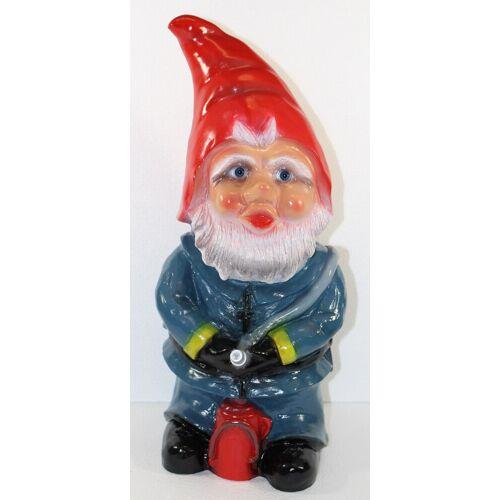 Rakso Gartenzwerg Deko Garten Figur Zwerg Feuerwehrmann stehend mit Löschschlauch aus Kunststoff H 46 cm