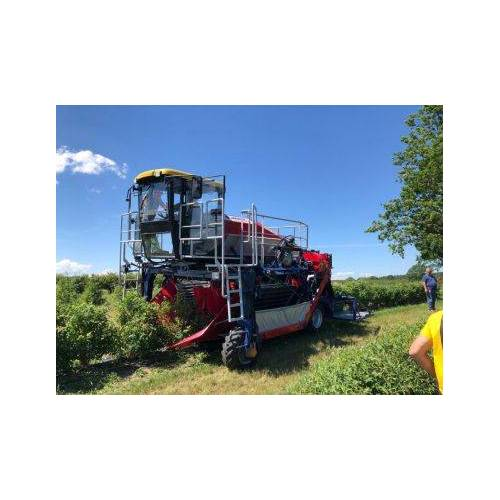 Jagoda Selbstfahrende Beeren Erntemaschine  OSKAR 4WD Jagoda