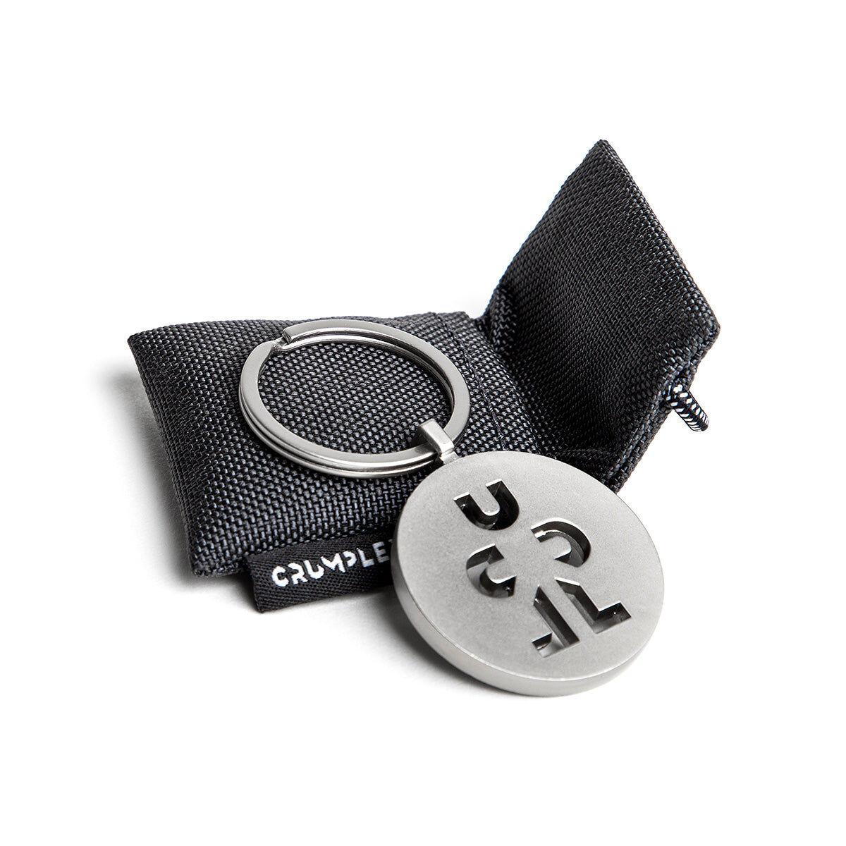 Crumpler Logo Schlüsselanhänger matt metall