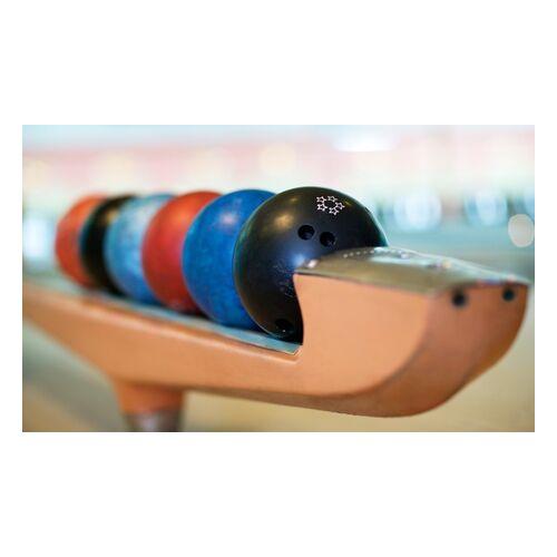 Blu Bowl Bowling 2 oder 3 Std. Bowling für bis zu 5 Personen auf einer Bahn + Pizza bei Blu Bowl Bowling (bis zu 69% sparen*)
