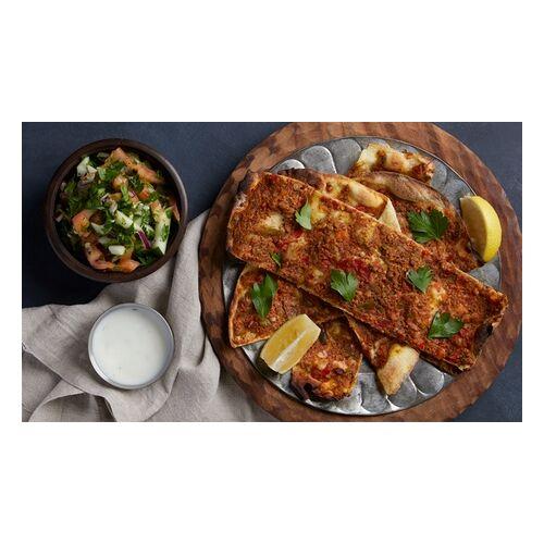 Örnek Lahmacun Grillhaus Lahmacun mit Salatbeilage inkl. Soft-Getränk zum Mitnehmen bei Örnek Lahmacun Grillhaus (bis zu 31% sparen*)