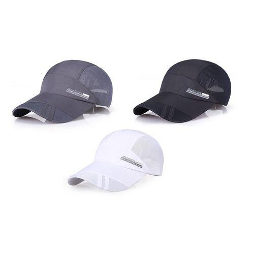 Groupon Goods Global GmbH 1x oder 2x atmungsaktive Kappe in Schwarz, Weiß oder Grau