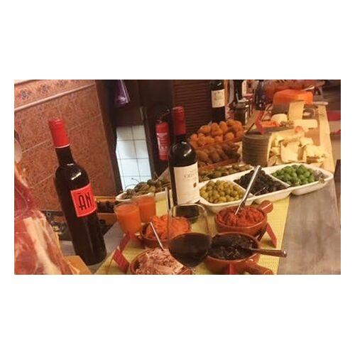 La Plaza Tapas-Platte mit kalten und warmen Tapas für 2 oder 4 Personen in der Tapas Bar La Plaza (bis zu 35% sparen*)