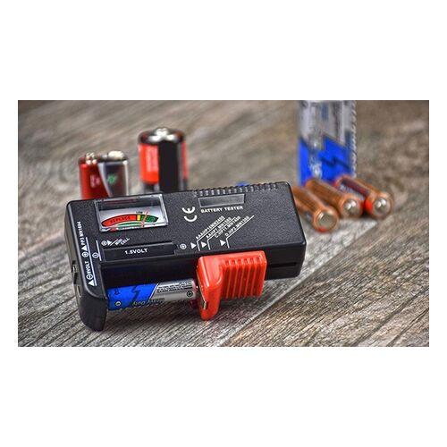 Groupon Goods Global GmbH 1x, 2x oder 4x Batterietester Modell BT/168 aus Kunststoff ohne Batterie