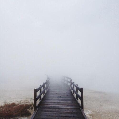 """JUNIQE Glasbild Natur """"Geyser Steamway"""" von JUNIQE - Künstler: Kevin Russ"""