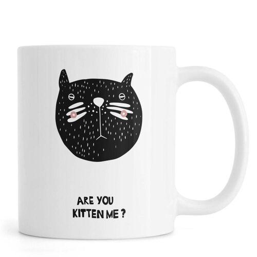 "JUNIQE Tassen Katzen ""Are You Kitten Me?"" von JUNIQE"