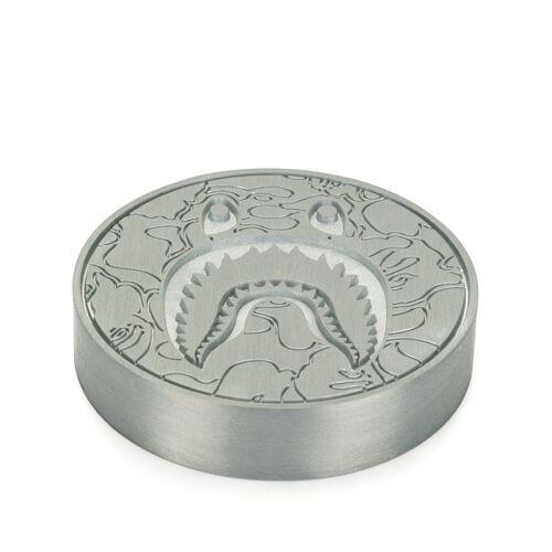 A BATHING APE® Briefbeschwerer im Hai-Design - Silber Male regular