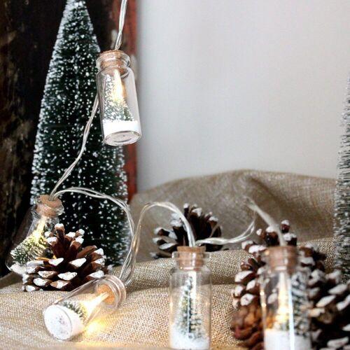 MARELIDA LED-Lichterkette »LED Lichterkette Mini Glasflaschen mit Baum und Schneekügelchen - 8 warmweiße LED - L: 0,9m«, 8-flammig