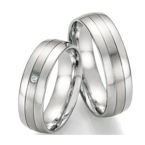 Günstige Eheringe aus Silber mit Brillant